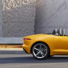 1575387664jag-f-type-21my-reveal-image-lifestyle-convertible-sorrentoyellow-02-12-19.jpg