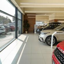1584089460showroom-prodej-servis-b-of-b-cars-ostrava-jaguar-land-rover-range-rover-best-of-british-cars-3.jpg